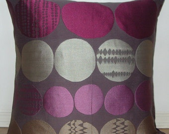 Funky Circles Cushion Cover/Pillow - ideal as a mothers day gift, an accent pillow case or just as a great feature for your room...