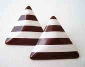 Vintage 80s Mod Hipster Brown White Striped Triangle Earrings