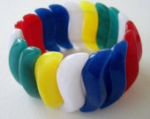 Vintage 1984 Retro Kitsch Signed Avon Summer Brights Multi Color Wave S Shaped Red White Blue Yellow Green Bead Stretch Elastic Bracelet