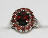 Vermelho Garnet Sterling Silver ring with sterling silver garnet drop earrings