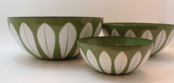 Set of Three Cathrineholm Enamel Lotus Bowls in Green