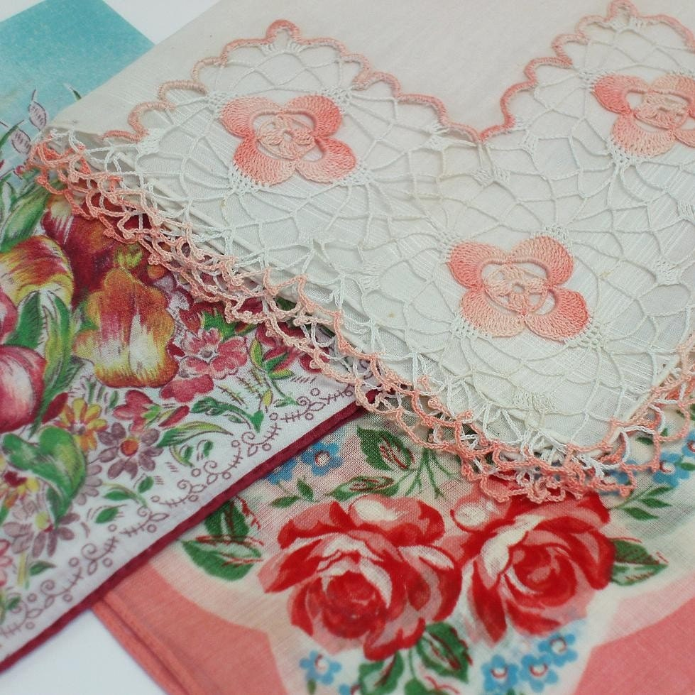 Hankies Ladies Handkerchiefs Vintage Handkerchief By