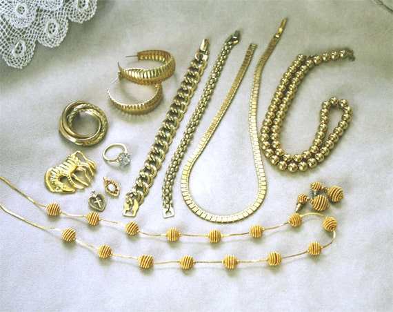 Gold Vintage Jewelry Lot, Vintage Jewellery Lot, Gold Tone, Plated & Filled Destash Mix