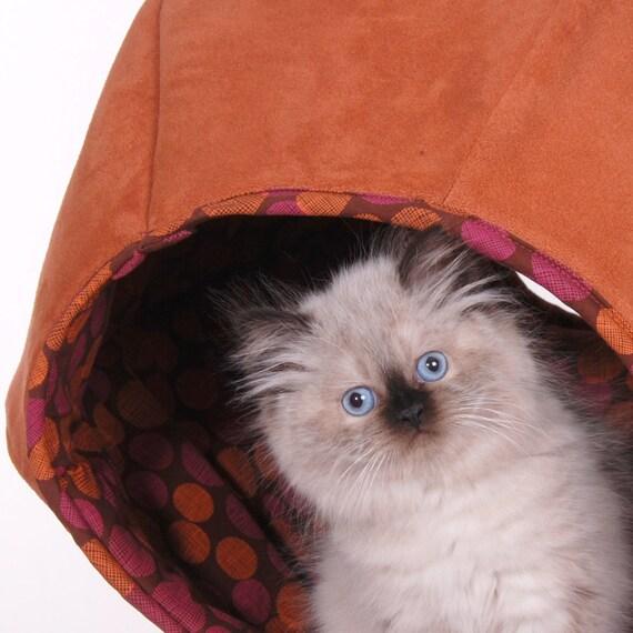 Cat Ball Modern KItty Bed in Microfiber
