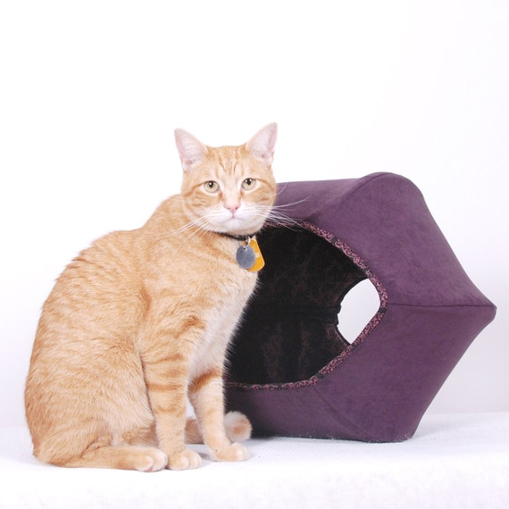 Cat Ball Modern Kitty Bed in Microfiber