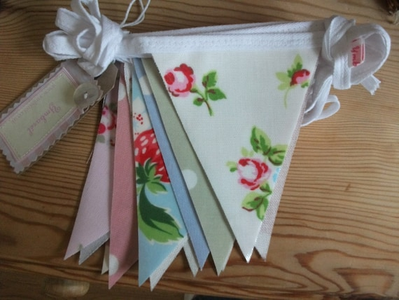 Vintage Mix Oilcloth Bunting...Floral Prints & Polka Dots