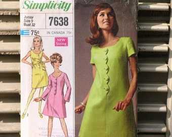 Vintage Simplicity Pattern 7638, 1960s Designer Fashion Printed Pattern Misses Dress