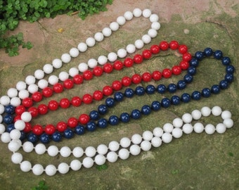 Vintage Red White and Blue Beaded Necklace, Americana Costume Jewelry, 4th of July, Patriotic