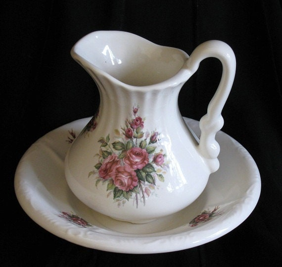 Vintage Victorian Athena Pitcher and Bowl, Home Decor