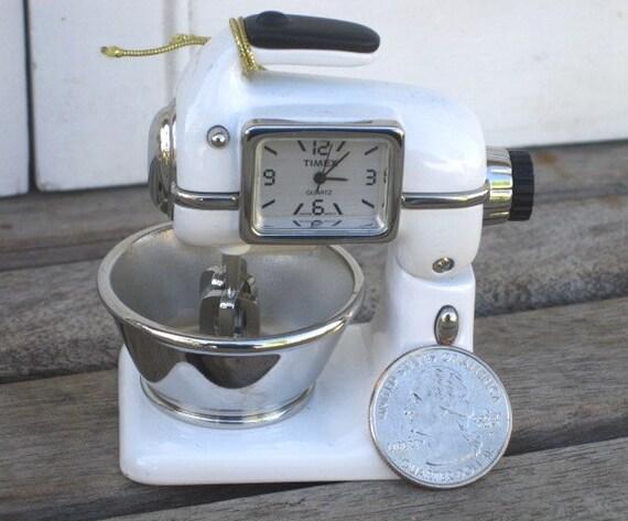 Vintage Timex Collectible Miniature Mixer Quartz Working