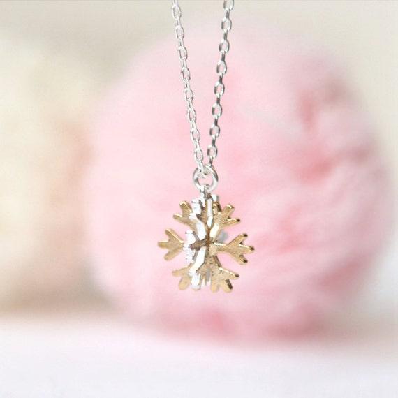 N002 Snowflake Necklace