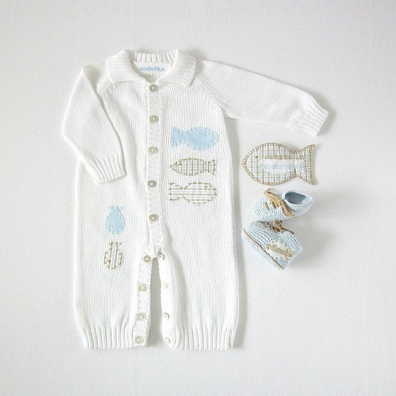 Knitted overalls in white full of fishes. Matching booties. 100% cotton. READY TO SHIP size Newborn.