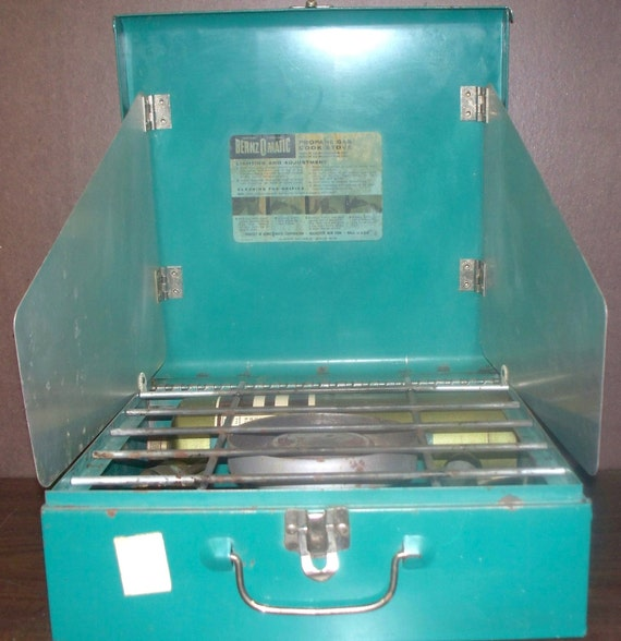 Vintage Bernzomatic Deluxe Propane Camping Stove