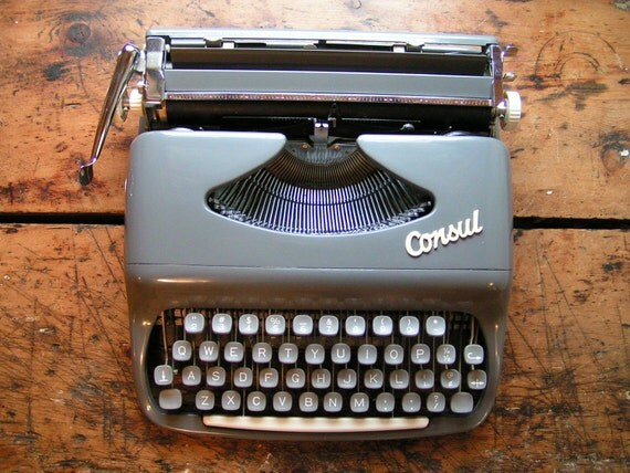 Vintage Portable Consul Typwriter - Made in Czechoslovakia