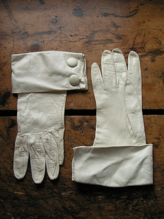 Vintage Pair of White Ladies Kid Skin Gloves with wide buttoned cuff