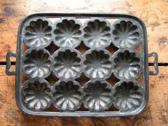 Vintage Cast Iron Bundt Turks Turban Baking Pan