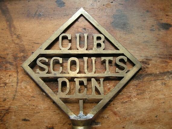 Vintage Brass Cub Scouts Den Flag Pole Topper