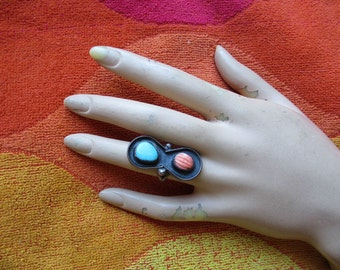 Vintage  Turquoise Native American  Ring Navaho size 6 Sterling