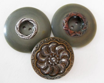 Green Button Collection Antique Collectible Olive Patina Carved Sewing Project Scrapbooking Crafts DIY Supply Dolls