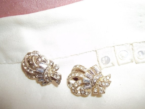 Vintage Rhinestone Ribbon Earrings Vintage Wedding Vintage Glamour Baguette Accents Clip-On Earrings Gift Idea  Collectible