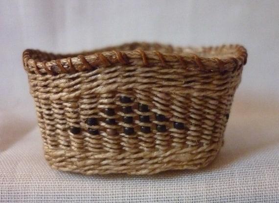 1:12th Scale Dollhouse Miniature Storage basket