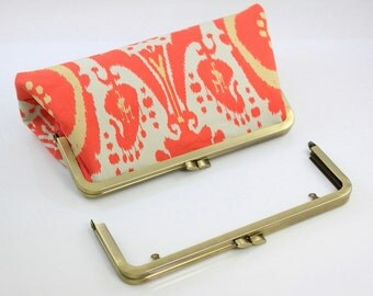 8 1/4 x 3 inches( 21 x 8 cm) - Large Antique Brass Clutch Purse Frame with Chain Loops - 1 Piece (LCF-FLAT-08)