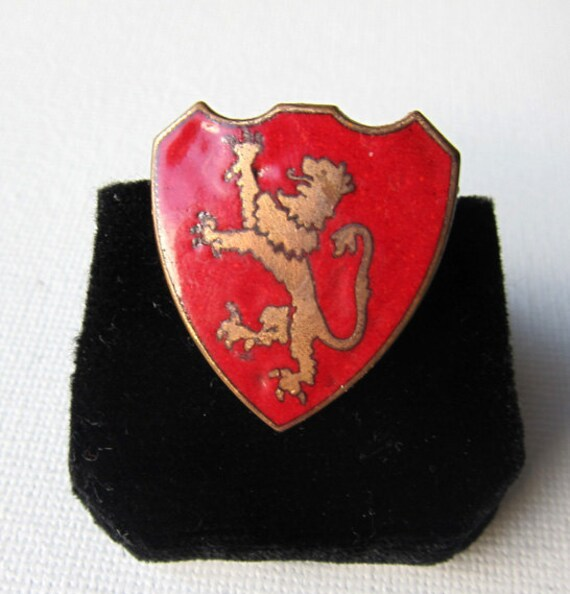 British lion heraldic shield red and gold copper enamel ring