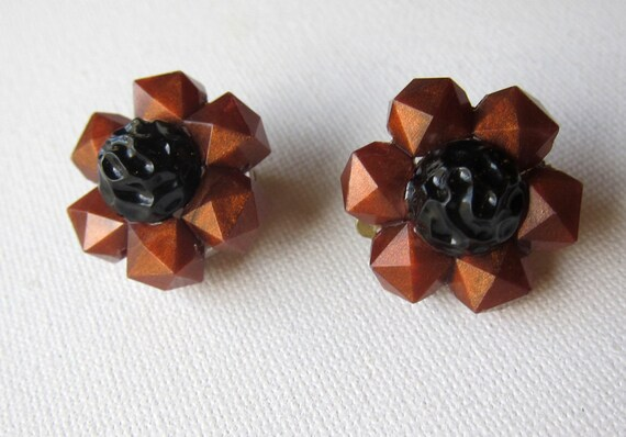 Antique Vintage Mid century rusty red and black celluloid flower mad men earrings