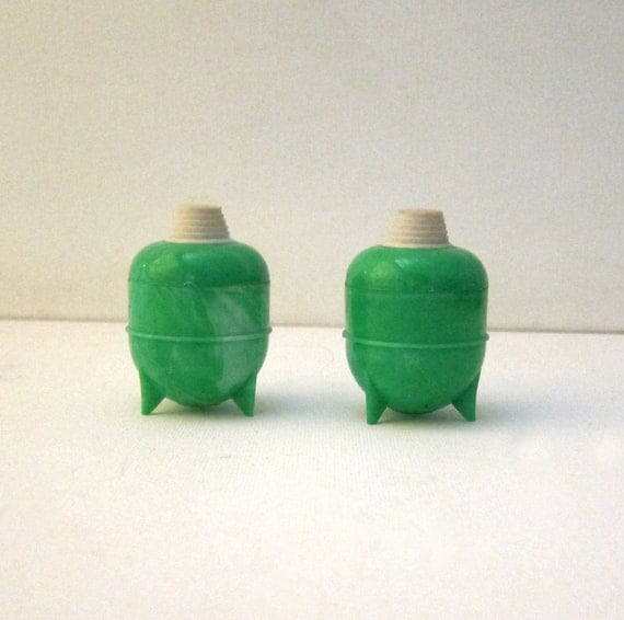 Antique Vintage green swirl celluloid sputnik picnic pepper and salt shakers