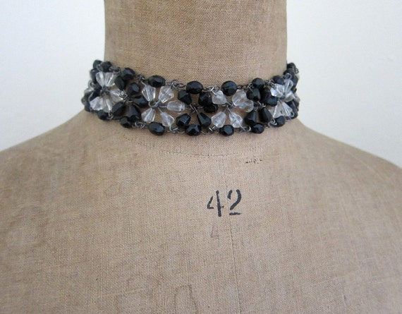 Vintage 1970s faceted 3 strand clear and black glass bead choker necklace