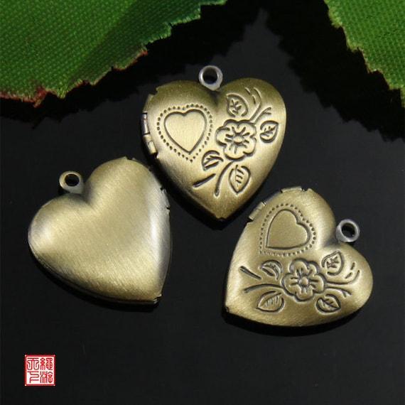 4pcs Bronze Floral Heart Locket