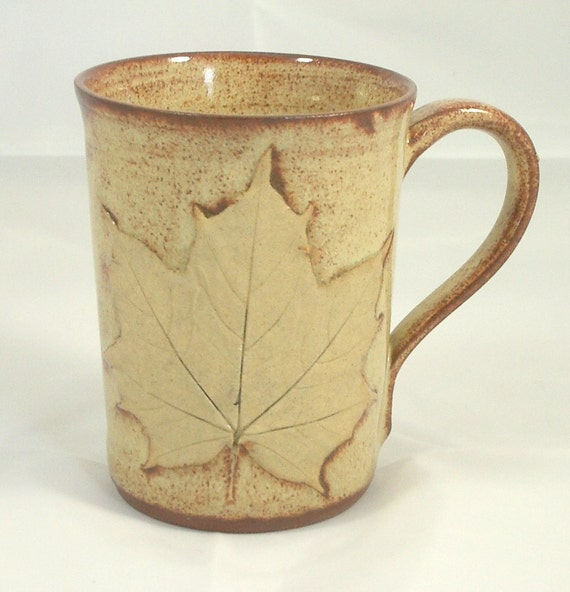 Maple Leaf  Stoneware 10 oz Mug