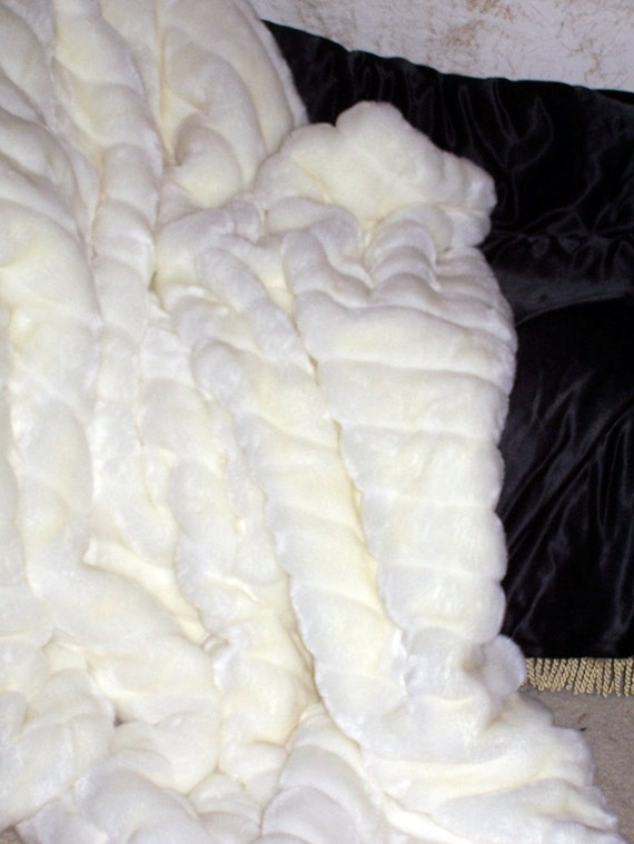 Luxury Faux Fur Cable Mink Throw,