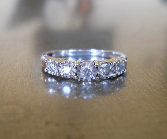 Vintage White Gold Diamond Band