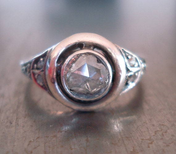 Antique Engagement Ring with Rose Cut Diamond from the 1800s