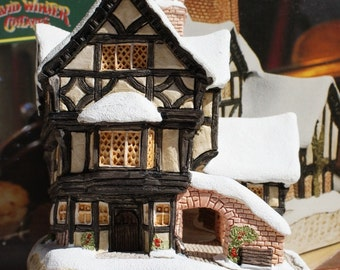 "David Winter Cottage ""Mister Fezziwig's Emporium"""