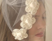 Romantic Bridal Veil with Flowers and Pearls