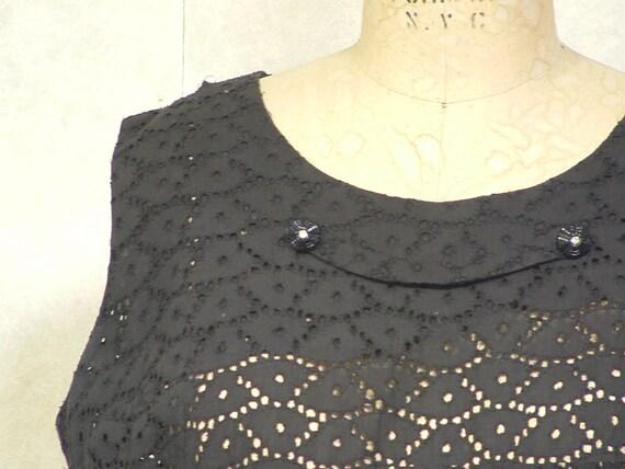 Black lace vintage dress 1960s petite size 12  in cotton Cyber Monday sale