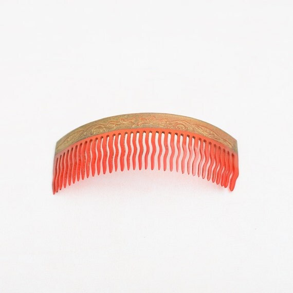 Vintage Russian Haircomb - Plastic USSR Comb - Retro Hair Accessories - Soviet Union - Red