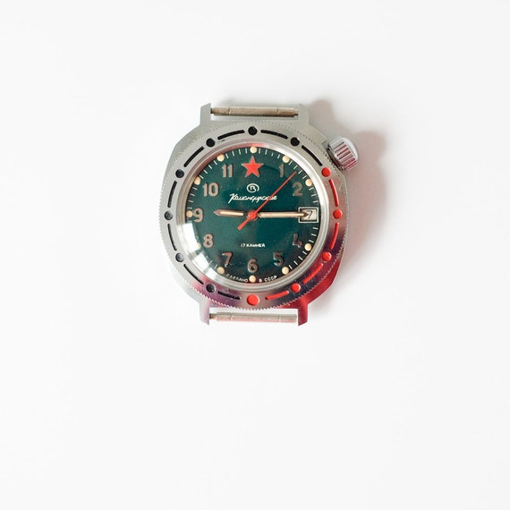 Working Vintage Watch -Wostok Komandirskiye - Mechanical Russian Watch - Original Case and Certificate in English - USSR Moscow