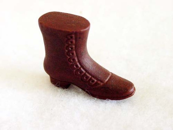 Vintage Miniature Victorian HIGH TOP SHOE.. Porcelian