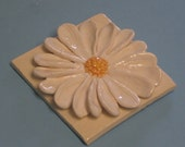 Gerber's daisy decorative tile,  White Gerber daisy ceramic  flower decoration , Gerbers Daisy sculpture, Easter decoration