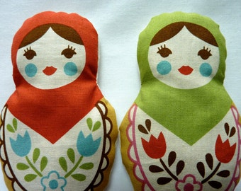 Matryoshka Dolls. Pine Scented Red and Green Sachets.