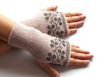 Elegant blush pink wool fingerless gloves with black beaded blackberries