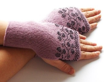Elegant light purple wool fingerless gloves with black beaded blackberries - READY to ship