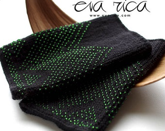 Soft & cozy pure merino wool beaded wrist warmers with beautiful transparent green glass beads, hand knitted gloves