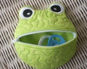 Frog Pacifier Holder 5x7