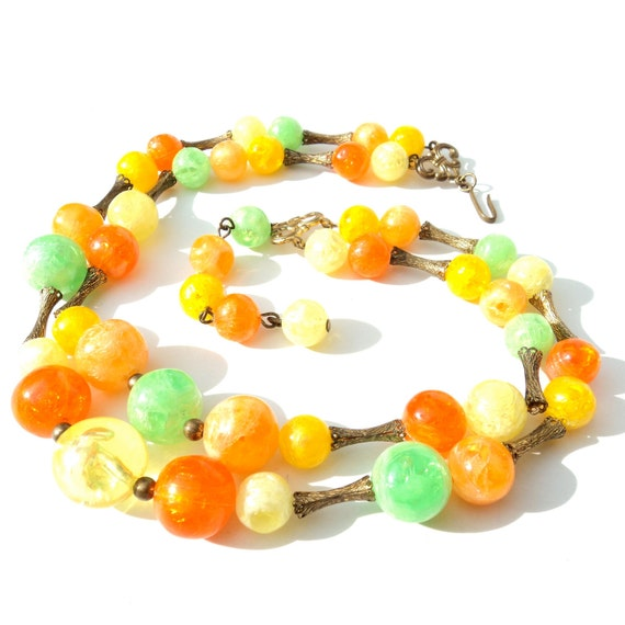 RESERVED LISTING Vintage Lucite Necklace 1950s Mad Men Plastic Beaded Necklace Autumn FALL Harvest Crackled Lucite Juicy Citrus