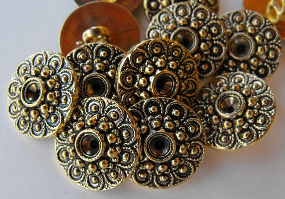 24 Gold Circle Flowers Large Shanked Round Buttons
