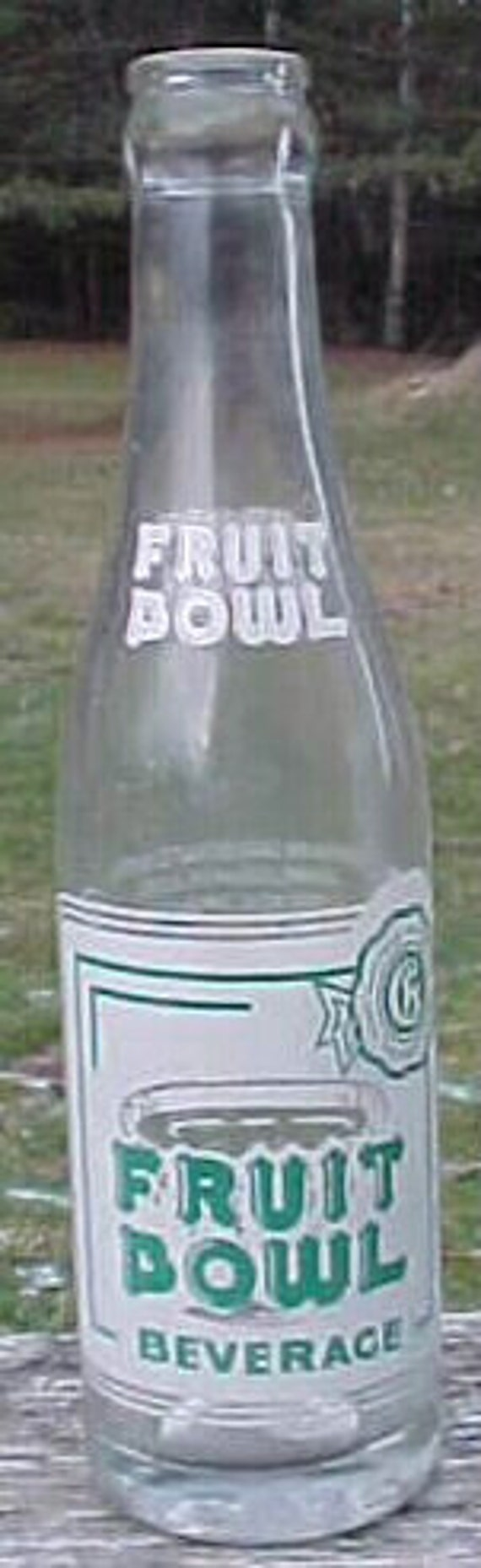 1963 Fruit Bowl Beverage Barr's Better Beverages Hardwick Vermont 7 Fl. Oz. , Clear ACL Painted Label Crown Top Soda Bottle